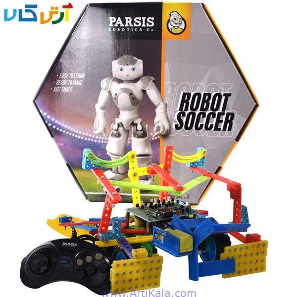 تصویر ربات فوتبالیست